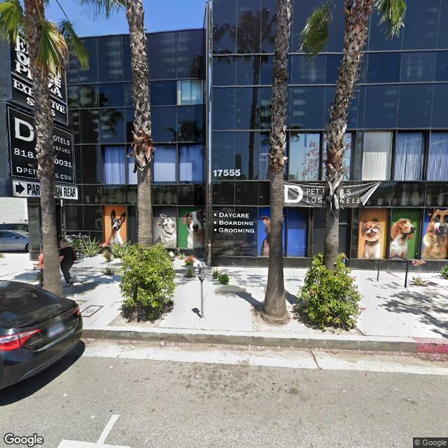17555 Ventura Blvd, Encino, CA 91316