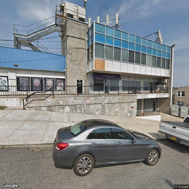 114 McClean Ave,Staten Island,NY,10305,US