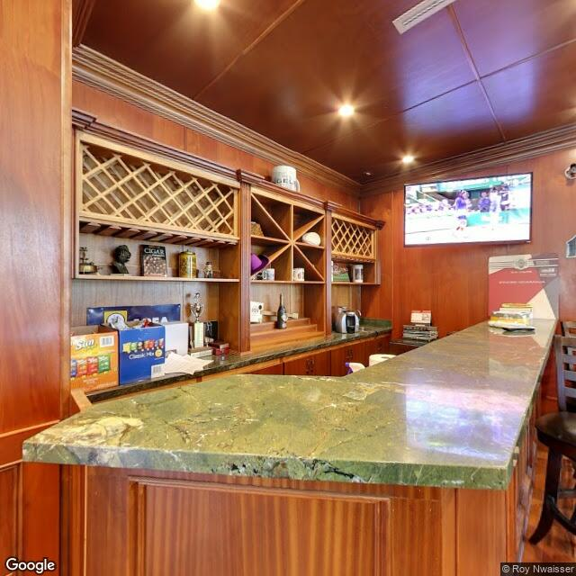 17300 Ventura Blvd,Encino,CA,91316,US
