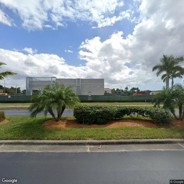 5040 Tamiami Trl E,Naples,FL,34113,US