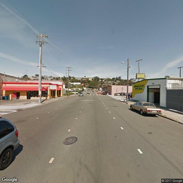 2590 Oakdale Avenue