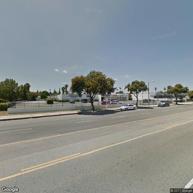 7111 Winnetka Ave