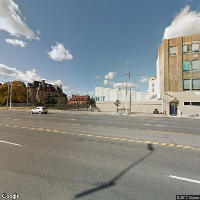 2950 E Jefferson Ave