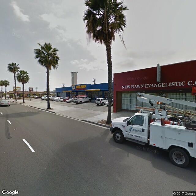 2335 Long Beach Blvd